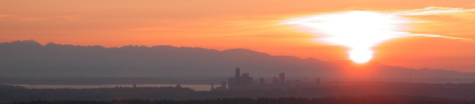 Western Washington sunset with hazy wildfire smoke