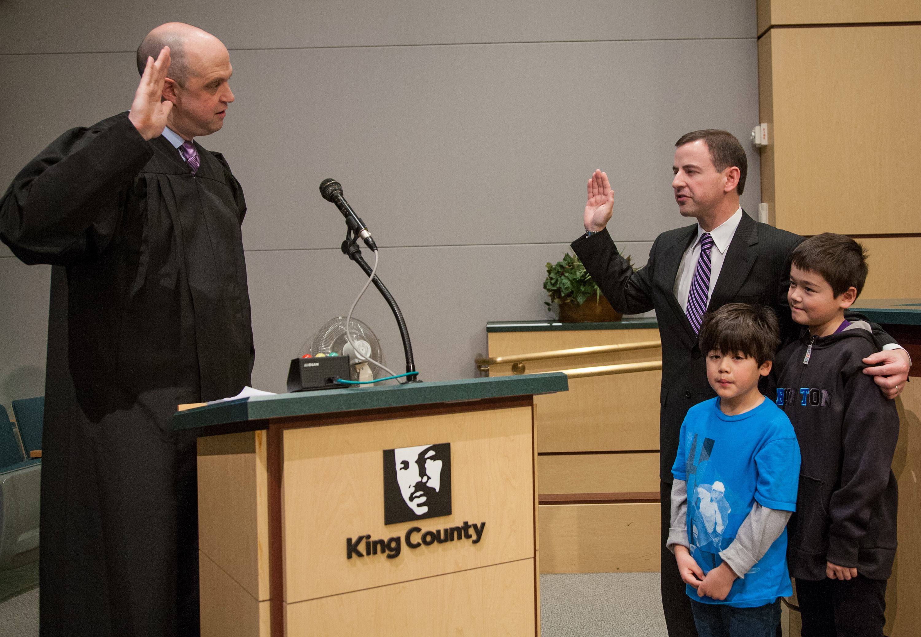 Dembowski_swearing-in_6MP