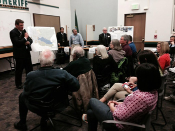 Image: Reagan Dunn at Unincorporated Area Town Halls/Community Service Area Open House