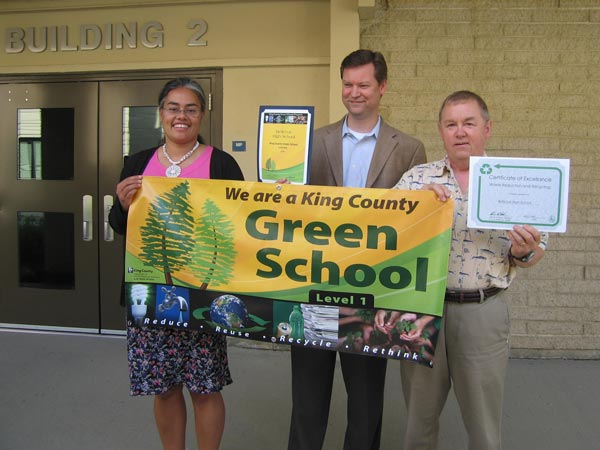 Bellevue High receives its Green Schools banner.