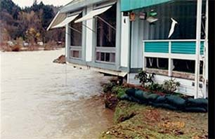 Riverbend mobile home - flood event on the Cedar River