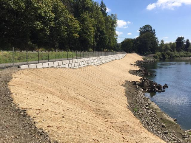 image of Snoqualmie River flood protection project at the Sinnema Quaale site, taken August 11, 2016