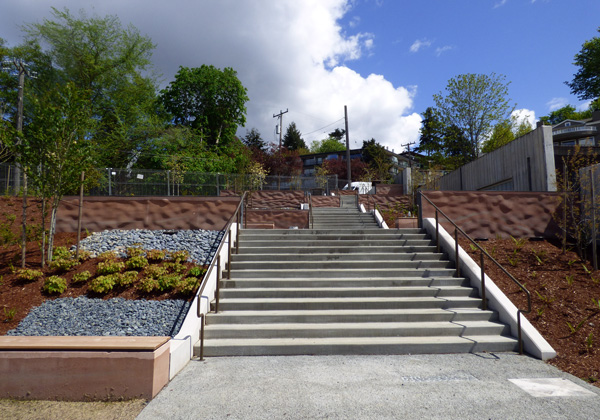 The public staircase is now complete!