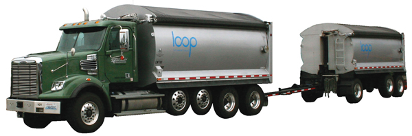 Loop vehicle and attached trailer