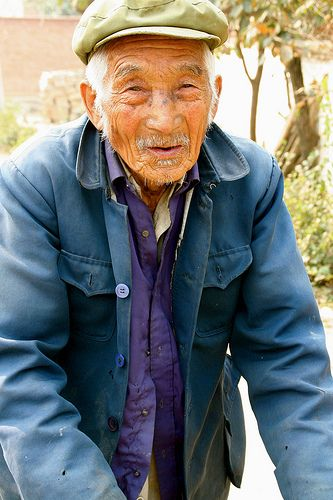 elderly-man-selling-vegetables-by-gill-penney