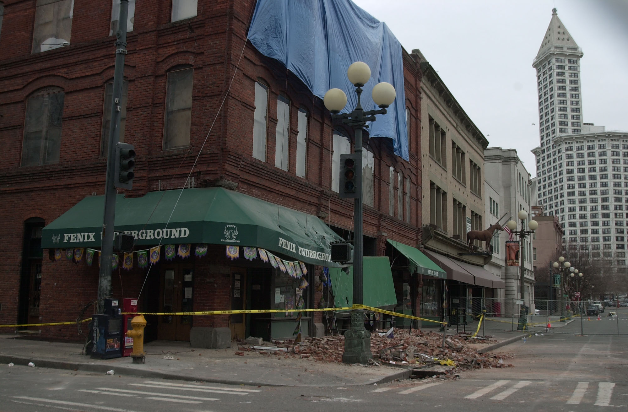 Damage in Seattle's Pioneer Square following the February 2001 Nisqually Earthquake, FEMA Courtesy Photo