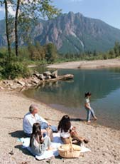 Snoqualmie River shoreline family picnic