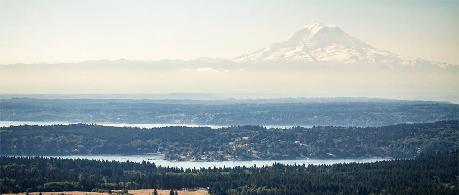 King County panoramic view with lakes and Mount Rainier