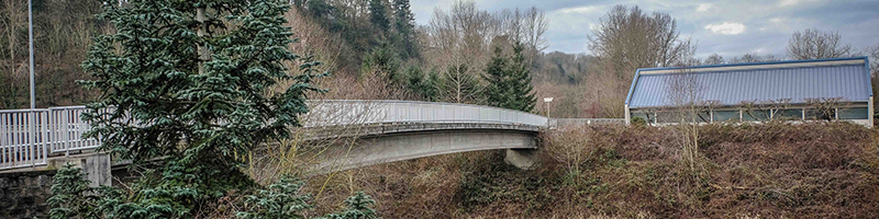 A bridge across the Green River starts the Interurban Trail
